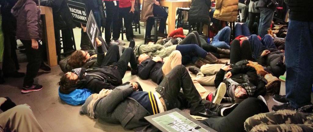 protesty w Apple Store w Nowym Jorku
